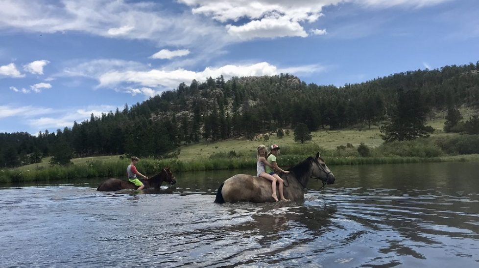 affordable Dude ranch summer 2019 adventure vacation all-inclusive pet friendly guest ranch