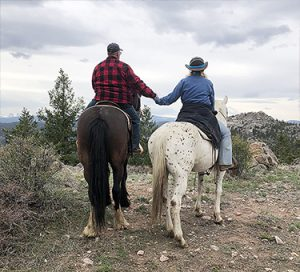 Dude ranch adventure vacation all-inclusive pet friendly guest ranch